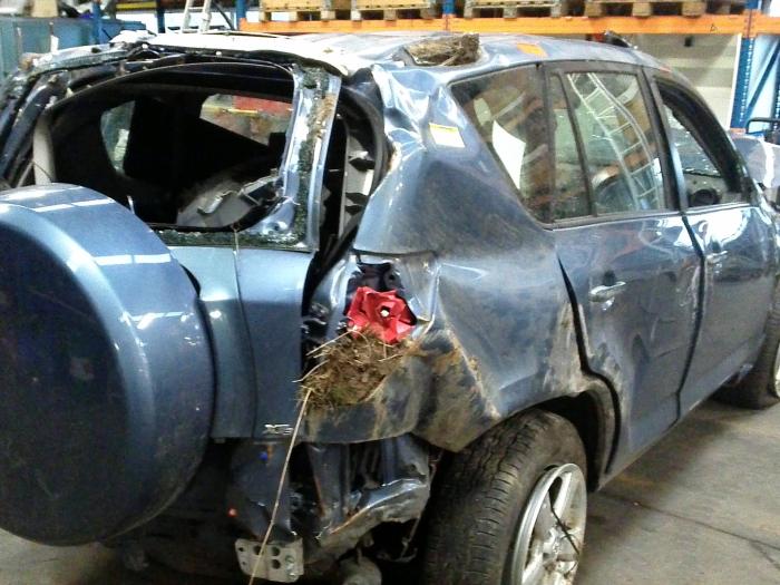 Toyota RAV4 (A3) 2.2 D-4D 16V 4x4 (klik op de afbeelding voor de volgende foto)  (klik op de afbeelding voor de volgende foto)  (klik op de afbeelding voor de volgende foto)