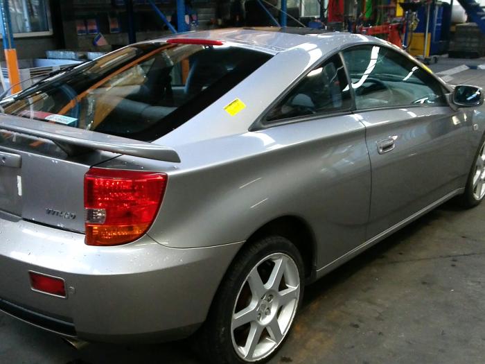 Toyota Celica {ZZT230/231} 1.8 16V VVTL-i TS (klik op de afbeelding voor de volgende foto)  (klik op de afbeelding voor de volgende foto)  (klik op de afbeelding voor de volgende foto)