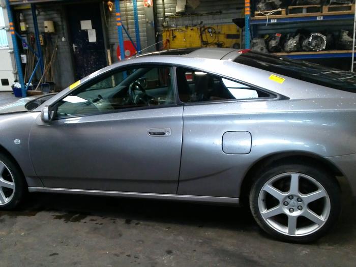 Toyota Celica {ZZT230/231} 1.8 16V VVTL-i TS 2004 Binnenspiegel (klik op de afbeelding voor de volgende foto)