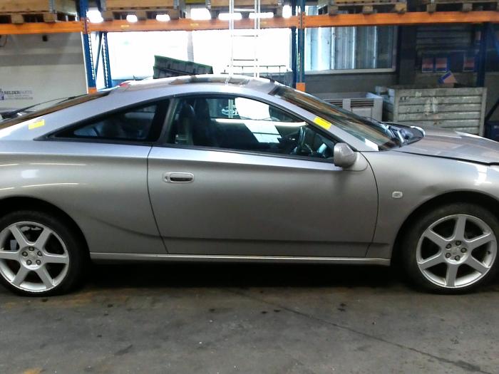 Toyota Celica {ZZT230/231} 1.8 16V VVTL-i TS (klik op de afbeelding voor de volgende foto)  (klik op de afbeelding voor de volgende foto)  (klik op de afbeelding voor de volgende foto)  (klik op de afbeelding voor de volgende foto)