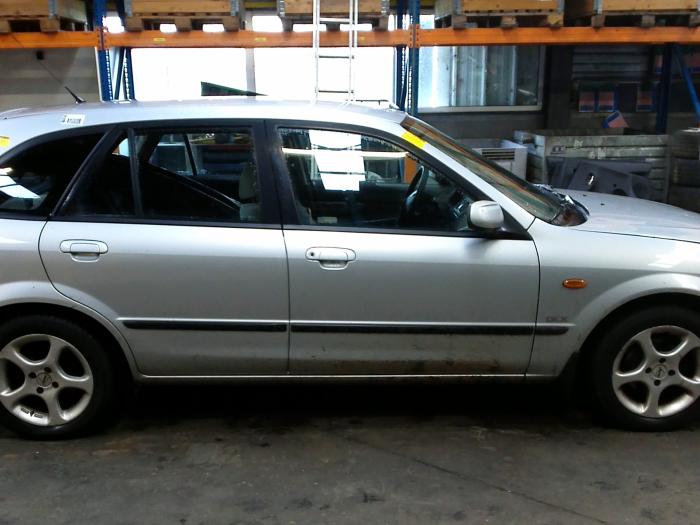Mazda 323 Fastbreak (BJ14) 1.8 GLX,GT 16V (klik op de afbeelding voor de volgende foto)  (klik op de afbeelding voor de volgende foto)  (klik op de afbeelding voor de volgende foto)  (klik op de afbeelding voor de volgende foto)