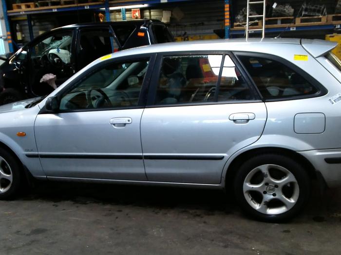 Mazda 323 Fastbreak (BJ14) 1.8 GLX,GT 16V (klik op de afbeelding voor de volgende foto)  (klik op de afbeelding voor de volgende foto)  (klik op de afbeelding voor de volgende foto)  (klik op de afbeelding voor de volgende foto)  (klik op de afbeelding voor de volgende foto)  (klik op de afbeelding voor de volgende foto)  (klik op de afbeelding voor de volgende foto)