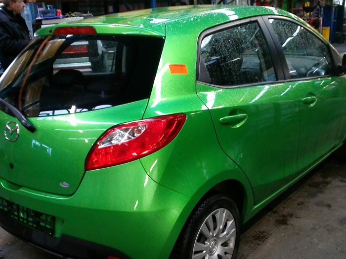 Mazda 2 (DE) 1.5 16V S-VT (klik op de afbeelding voor de volgende foto)  (klik op de afbeelding voor de volgende foto)
