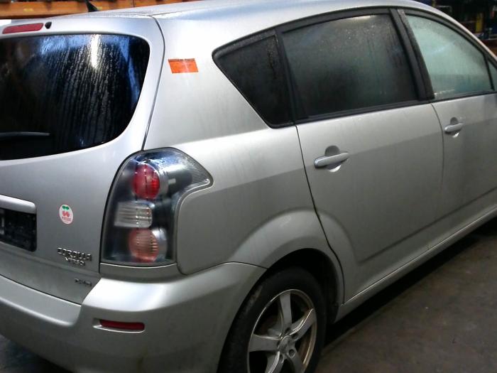 Toyota Corolla Verso (R10/11) 2.2 D-4D 16V Cat Clean Power (klik op de afbeelding voor de volgende foto)  (klik op de afbeelding voor de volgende foto)  (klik op de afbeelding voor de volgende foto)