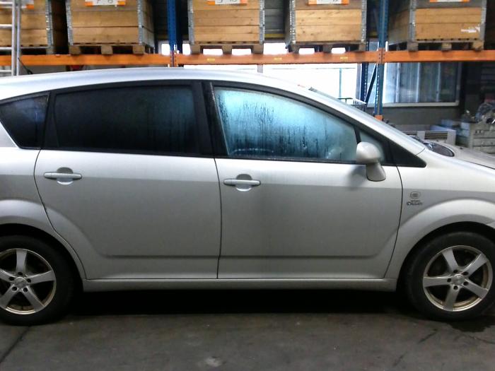 Toyota Corolla Verso (R10/11) 2.2 D-4D 16V Cat Clean Power (klik op de afbeelding voor de volgende foto)  (klik op de afbeelding voor de volgende foto)  (klik op de afbeelding voor de volgende foto)  (klik op de afbeelding voor de volgende foto)