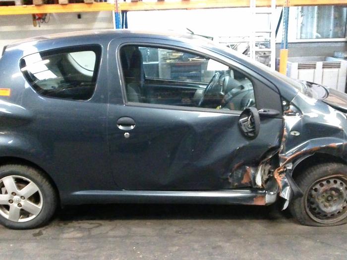 Toyota Aygo (B10) 1.0 12V VVT-i LPG (klik op de afbeelding voor de volgende foto)  (klik op de afbeelding voor de volgende foto)  (klik op de afbeelding voor de volgende foto)  (klik op de afbeelding voor de volgende foto)