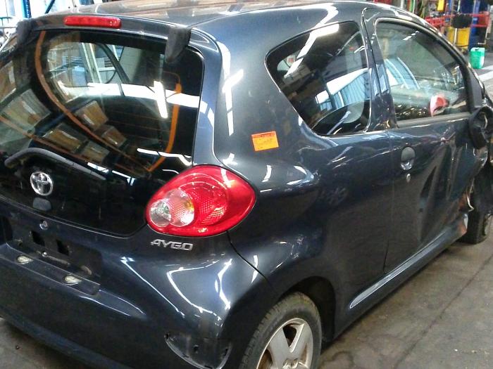 Toyota Aygo (B10) 1.0 12V VVT-i LPG (klik op de afbeelding voor de volgende foto)  (klik op de afbeelding voor de volgende foto)  (klik op de afbeelding voor de volgende foto)