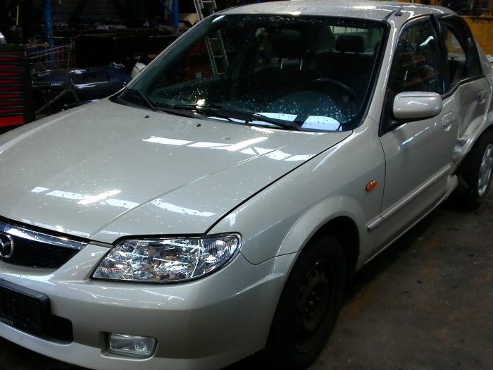 Mazda 323 (BJ12) 1.6 16V (klik op de afbeelding voor de volgende foto)  (klik op de afbeelding voor de volgende foto)  (klik op de afbeelding voor de volgende foto)  (klik op de afbeelding voor de volgende foto)  (klik op de afbeelding voor de volgende foto)  (klik op de afbeelding voor de volgende foto)  (klik op de afbeelding voor de volgende foto)  (klik op de afbeelding voor de volgende foto)