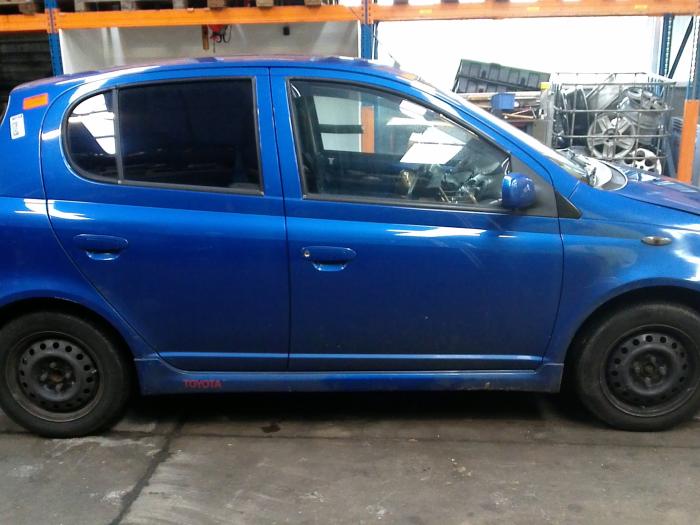 Toyota Yaris (P1) 1.5 T Sport 16V VVT-i (klik op de afbeelding voor de volgende foto)  (klik op de afbeelding voor de volgende foto)  (klik op de afbeelding voor de volgende foto)  (klik op de afbeelding voor de volgende foto)