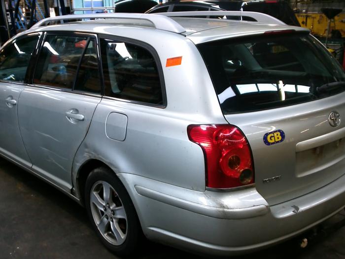Toyota Avensis Wagon (T25/B1E) 1.8 16V VVT-i (klik op de afbeelding voor de volgende foto)