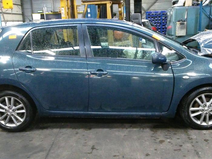 Toyota Auris (E15) 1.33 Dual VVT-I 16V (klik op de afbeelding voor de volgende foto)  (klik op de afbeelding voor de volgende foto)  (klik op de afbeelding voor de volgende foto)  (klik op de afbeelding voor de volgende foto)