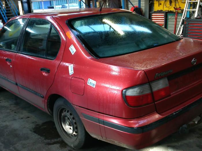 Nissan Primera (P11) 2.0 SRi 16V (klik op de afbeelding voor de volgende foto)