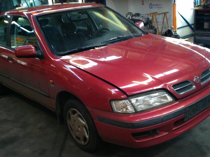Nissan Primera (P11) 2.0 SRi 16V (klik op de afbeelding voor de volgende foto)  (klik op de afbeelding voor de volgende foto)  (klik op de afbeelding voor de volgende foto)  (klik op de afbeelding voor de volgende foto)  (klik op de afbeelding voor de volgende foto)