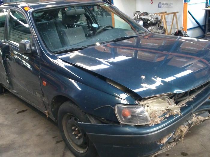 Toyota Carina E (T19) 1.6 GLi 16V (klik op de afbeelding voor de volgende foto)  (klik op de afbeelding voor de volgende foto)  (klik op de afbeelding voor de volgende foto)  (klik op de afbeelding voor de volgende foto)  (klik op de afbeelding voor de volgende foto)