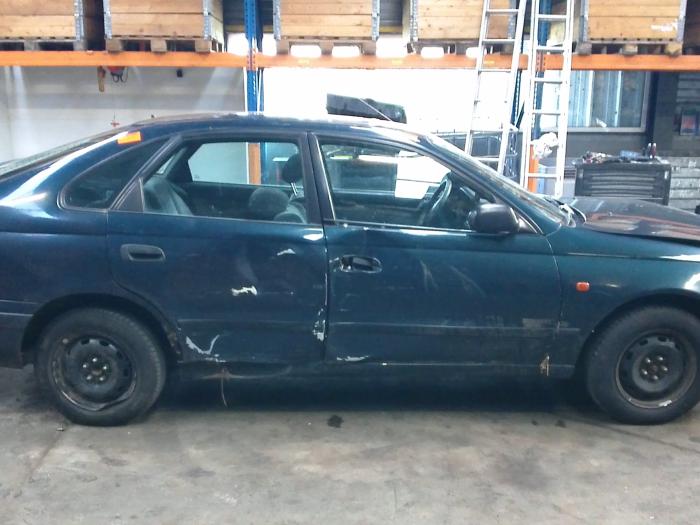 Toyota Carina E (T19) 1.6 GLi 16V (klik op de afbeelding voor de volgende foto)  (klik op de afbeelding voor de volgende foto)  (klik op de afbeelding voor de volgende foto)  (klik op de afbeelding voor de volgende foto)