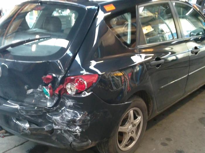 Mazda 3 Sport (BK14) 1.3i 16V (klik op de afbeelding voor de volgende foto)  (klik op de afbeelding voor de volgende foto)  (klik op de afbeelding voor de volgende foto)