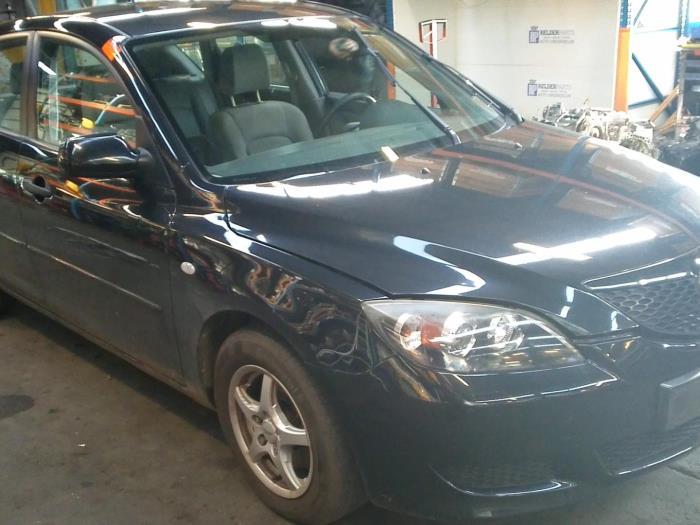 Mazda 3 Sport (BK14) 1.3i 16V (klik op de afbeelding voor de volgende foto)  (klik op de afbeelding voor de volgende foto)  (klik op de afbeelding voor de volgende foto)  (klik op de afbeelding voor de volgende foto)  (klik op de afbeelding voor de volgende foto)