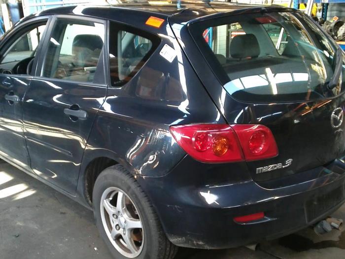 Mazda 3 Sport (BK14) 1.3i 16V (klik op de afbeelding voor de volgende foto)