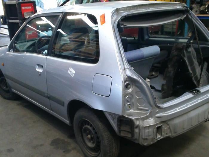 Toyota Starlet (EP9) 1.3,XLi,GLi 16V (klik op de afbeelding voor de volgende foto)