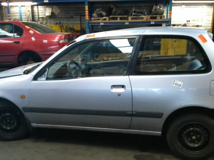 Toyota Starlet (EP9) 1.3,XLi,GLi 16V (klik op de afbeelding voor de volgende foto)  (klik op de afbeelding voor de volgende foto)  (klik op de afbeelding voor de volgende foto)  (klik op de afbeelding voor de volgende foto)  (klik op de afbeelding voor de volgende foto)  (klik op de afbeelding voor de volgende foto)  (klik op de afbeelding voor de volgende foto)