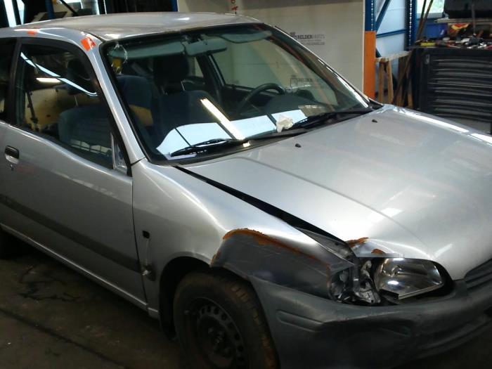 Toyota Starlet (EP9) 1.3,XLi,GLi 16V (klik op de afbeelding voor de volgende foto)  (klik op de afbeelding voor de volgende foto)  (klik op de afbeelding voor de volgende foto)  (klik op de afbeelding voor de volgende foto)  (klik op de afbeelding voor de volgende foto)