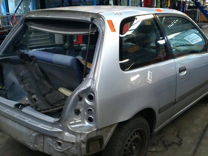 Toyota Starlet (EP9) 1.3,XLi,GLi 16V (klik op de afbeelding voor de volgende foto)  (klik op de afbeelding voor de volgende foto)  (klik op de afbeelding voor de volgende foto)