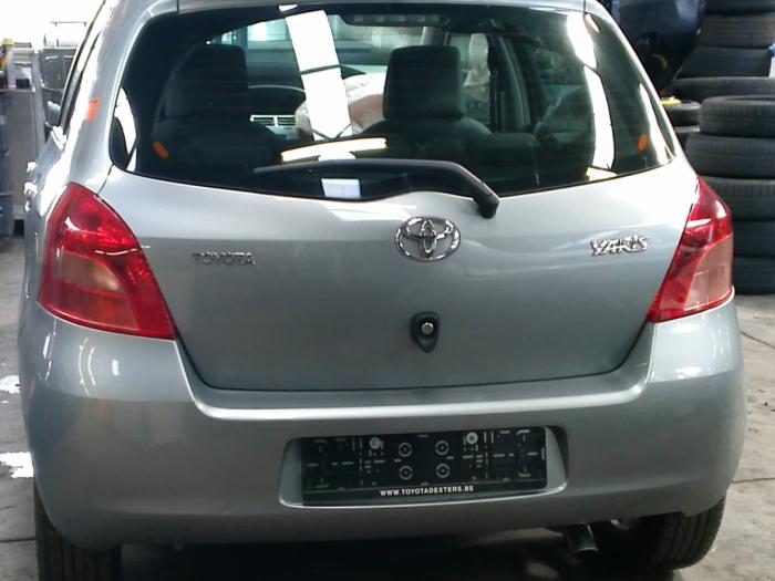 Toyota Yaris II (P9) 1.3 16V VVT-i (klik op de afbeelding voor de volgende foto)  (klik op de afbeelding voor de volgende foto)