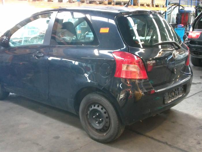 Toyota Yaris II (P9) 1.0 12V VVT-i (klik op de afbeelding voor de volgende foto)