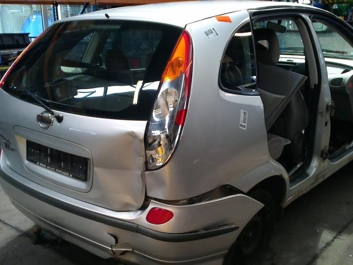Nissan Almera Tino (V10M) 1.8 16V (klik op de afbeelding voor de volgende foto)  (klik op de afbeelding voor de volgende foto)  (klik op de afbeelding voor de volgende foto)