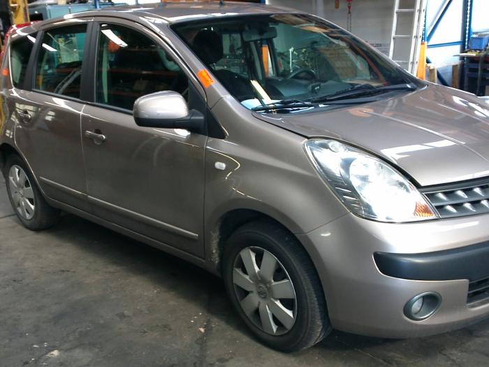 Nissan Note (E11) 1.5 dCi 86 (klik op de afbeelding voor de volgende foto)  (klik op de afbeelding voor de volgende foto)  (klik op de afbeelding voor de volgende foto)