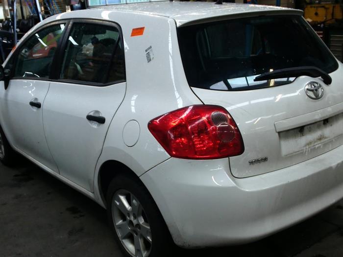 Toyota Auris (E15) 1.33 Dual VVT-I 16V (klik op de afbeelding voor de volgende foto)