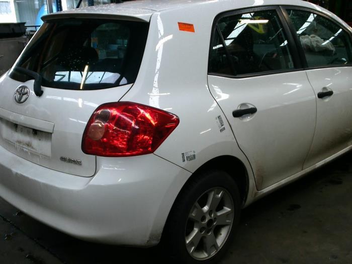Toyota Auris (E15) 1.33 Dual VVT-I 16V (klik op de afbeelding voor de volgende foto)  (klik op de afbeelding voor de volgende foto)  (klik op de afbeelding voor de volgende foto)