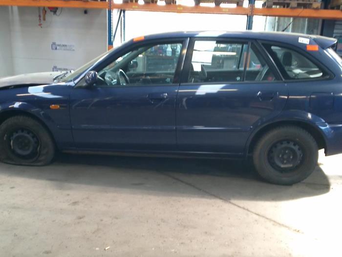 Mazda 323 Fastbreak (BJ14) 2.0 16V (klik op de afbeelding voor de volgende foto)  (klik op de afbeelding voor de volgende foto)  (klik op de afbeelding voor de volgende foto)  (klik op de afbeelding voor de volgende foto)  (klik op de afbeelding voor de volgende foto)  (klik op de afbeelding voor de volgende foto)  (klik op de afbeelding voor de volgende foto)
