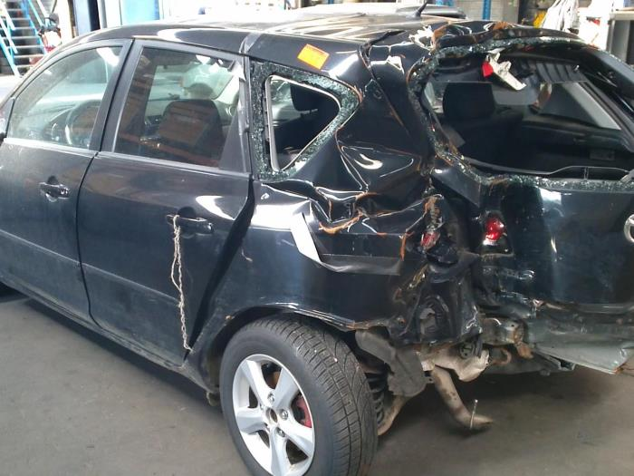 Mazda 3 (BK12) 1.6 MZ-CD 16V (Klicken Sie auf das Bild für das nächste Foto)