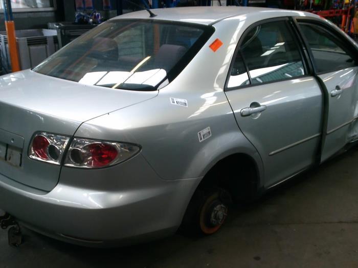 Mazda 6 (GG12/82) 1.8i 16V (klik op de afbeelding voor de volgende foto)  (klik op de afbeelding voor de volgende foto)  (klik op de afbeelding voor de volgende foto)