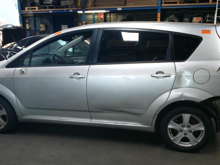 Toyota Corolla Verso (R10/11) 2.2 D-4D 16V (klik op de afbeelding voor de volgende foto)  (klik op de afbeelding voor de volgende foto)  (klik op de afbeelding voor de volgende foto)  (klik op de afbeelding voor de volgende foto)  (klik op de afbeelding voor de volgende foto)  (klik op de afbeelding voor de volgende foto)  (klik op de afbeelding voor de volgende foto)
