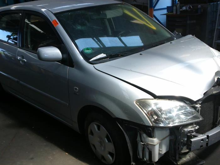 Toyota Corolla (E12) 1.4 16V VVT-i (klik op de afbeelding voor de volgende foto)  (klik op de afbeelding voor de volgende foto)  (klik op de afbeelding voor de volgende foto)  (klik op de afbeelding voor de volgende foto)  (klik op de afbeelding voor de volgende foto)