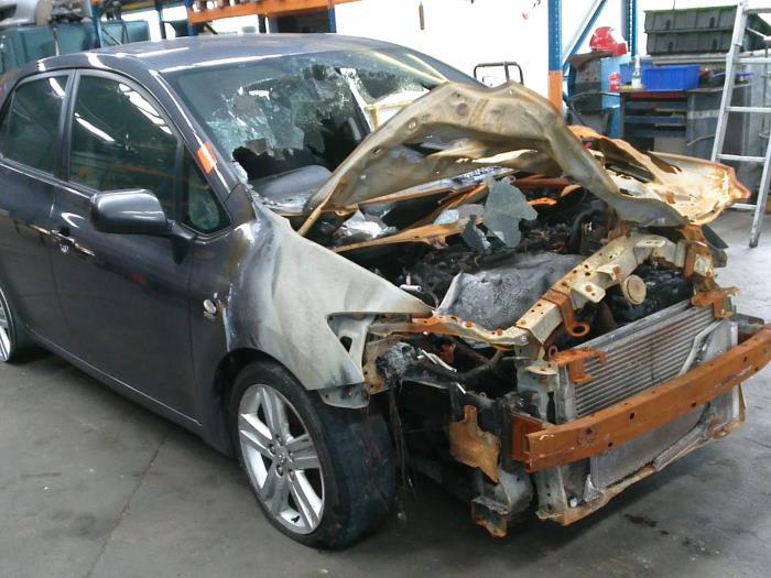 Toyota Auris (E15) 2.2 D-CAT 16V (klik op de afbeelding voor de volgende foto)  (klik op de afbeelding voor de volgende foto)  (klik op de afbeelding voor de volgende foto)  (klik op de afbeelding voor de volgende foto)  (klik op de afbeelding voor de volgende foto)