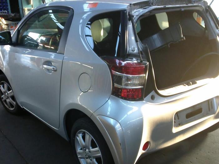 Toyota iQ 1.0 12V VVT-i (klik op de afbeelding voor de volgende foto)