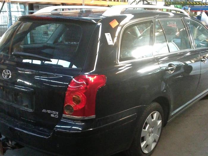 Toyota Avensis Wagon (T25/B1E) 2.0 16V VVT-i D4 (klik op de afbeelding voor de volgende foto)  (klik op de afbeelding voor de volgende foto)  (klik op de afbeelding voor de volgende foto)