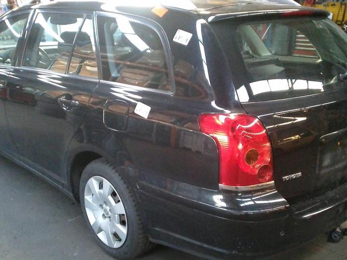 Toyota Avensis Wagon (T25/B1E) 2.0 16V VVT-i D4 (klik op de afbeelding voor de volgende foto)