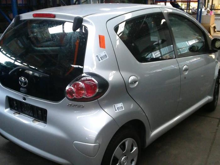 Toyota Aygo (B10) 1.0 12V VVT-i (klik op de afbeelding voor de volgende foto)  (klik op de afbeelding voor de volgende foto)  (klik op de afbeelding voor de volgende foto)