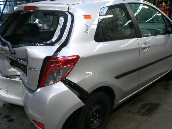 Toyota Yaris III (P13) 1.0 12V VVT-i (klik op de afbeelding voor de volgende foto)  (klik op de afbeelding voor de volgende foto)