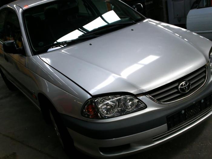 Toyota Avensis (T22) 1.6 16V VVT-i (klik op de afbeelding voor de volgende foto)  (klik op de afbeelding voor de volgende foto)  (klik op de afbeelding voor de volgende foto)  (klik op de afbeelding voor de volgende foto)  (klik op de afbeelding voor de volgende foto)
