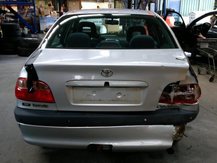 Toyota Avensis (T22) 1.6 16V VVT-i (klik op de afbeelding voor de volgende foto)  (klik op de afbeelding voor de volgende foto)