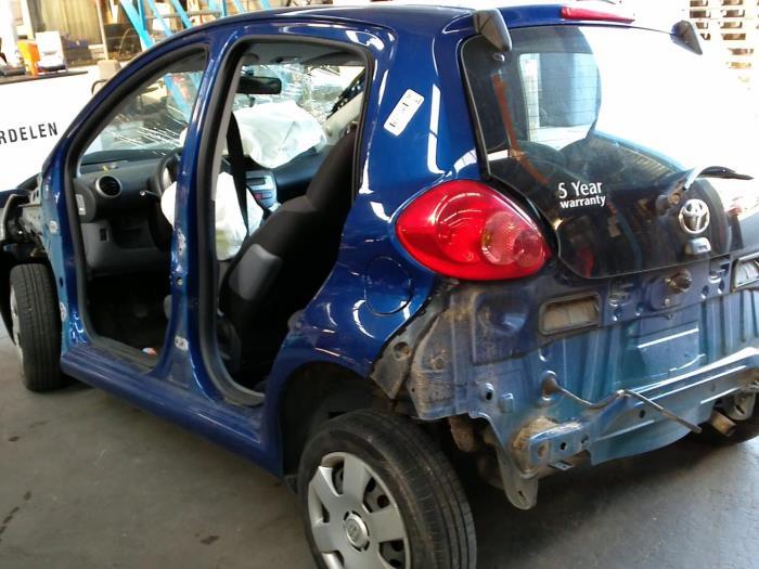 Toyota Aygo (B10) 1.4 HDI (klik op de afbeelding voor de volgende foto)