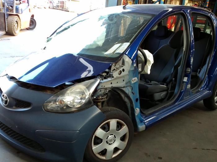 Toyota Aygo (B10) 1.4 HDI (klik op de afbeelding voor de volgende foto)  (klik op de afbeelding voor de volgende foto)  (klik op de afbeelding voor de volgende foto)  (klik op de afbeelding voor de volgende foto)  (klik op de afbeelding voor de volgende foto)  (klik op de afbeelding voor de volgende foto)  (klik op de afbeelding voor de volgende foto)  (klik op de afbeelding voor de volgende foto)