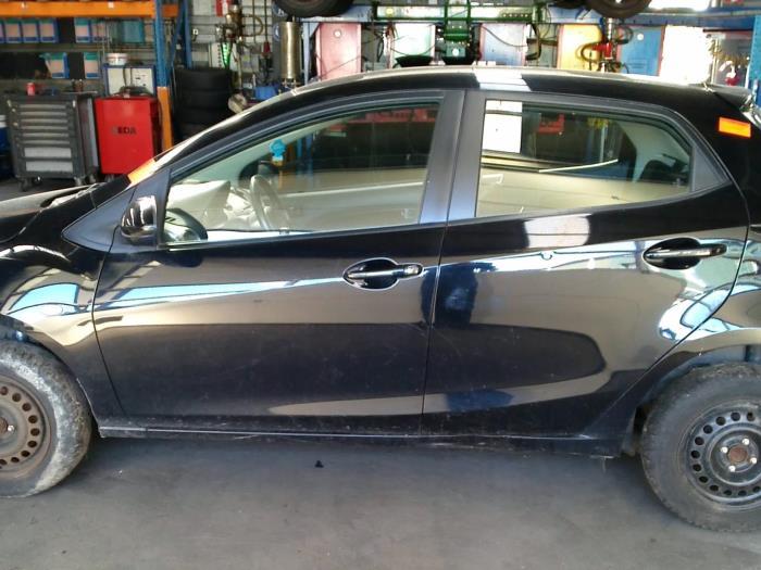 Mazda 2 (DE) 1.4 CDVi 16V (klik op de afbeelding voor de volgende foto)  (klik op de afbeelding voor de volgende foto)  (klik op de afbeelding voor de volgende foto)  (klik op de afbeelding voor de volgende foto)  (klik op de afbeelding voor de volgende foto)  (klik op de afbeelding voor de volgende foto)  (klik op de afbeelding voor de volgende foto)