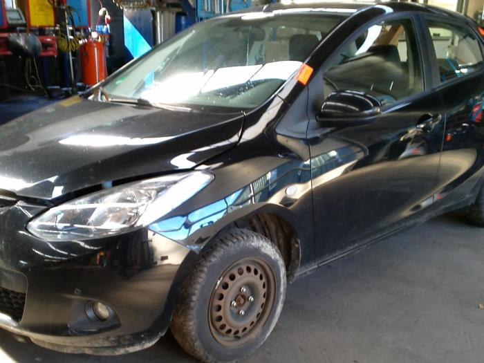 Mazda 2 (DE) 1.4 CDVi 16V (klik op de afbeelding voor de volgende foto)  (klik op de afbeelding voor de volgende foto)  (klik op de afbeelding voor de volgende foto)  (klik op de afbeelding voor de volgende foto)  (klik op de afbeelding voor de volgende foto)  (klik op de afbeelding voor de volgende foto)  (klik op de afbeelding voor de volgende foto)  (klik op de afbeelding voor de volgende foto)