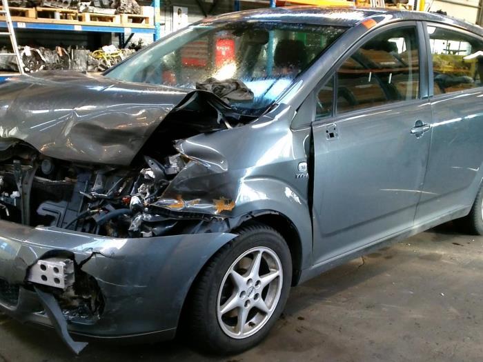 Toyota Corolla Verso (R10/11) 1.8 16V VVT-i (klik op de afbeelding voor de volgende foto)  (klik op de afbeelding voor de volgende foto)  (klik op de afbeelding voor de volgende foto)  (klik op de afbeelding voor de volgende foto)  (klik op de afbeelding voor de volgende foto)  (klik op de afbeelding voor de volgende foto)  (klik op de afbeelding voor de volgende foto)  (klik op de afbeelding voor de volgende foto)